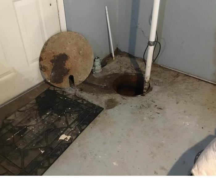 Call SERVPRO of East Erie County if your Cheektowaga basement floods due to the sump pump failing.